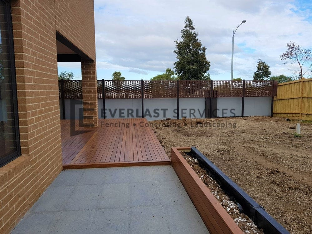 Decking + Privacy Screen