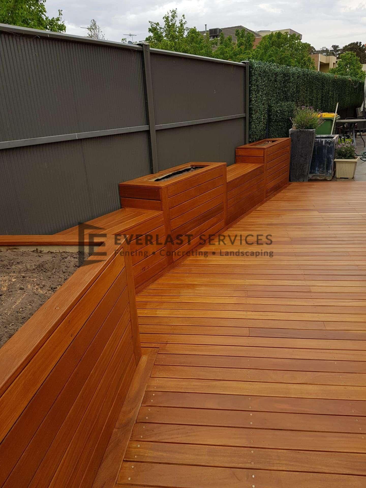Garden Box + Bench + Decking View 3