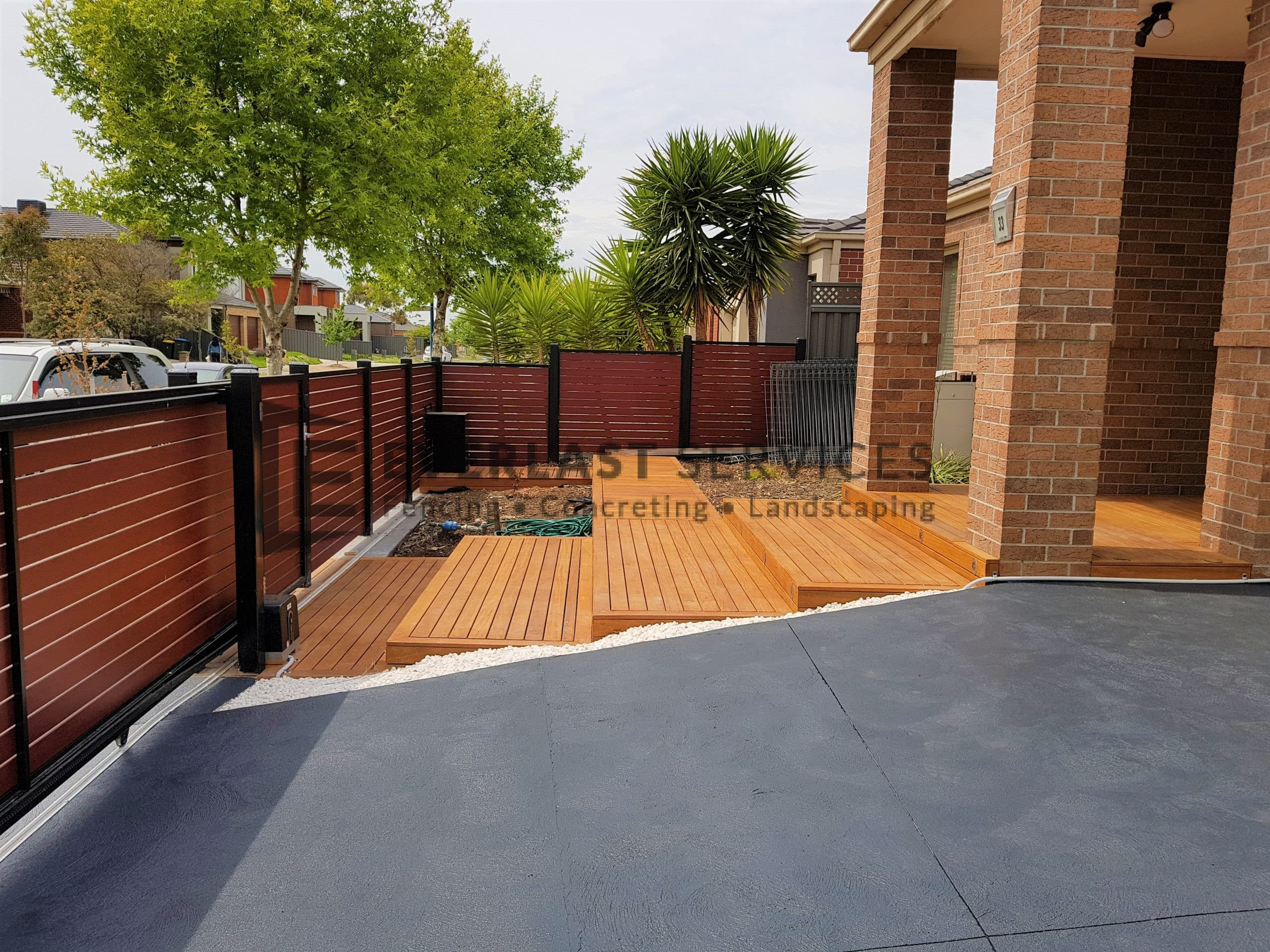 T179 - Front Decking View 2