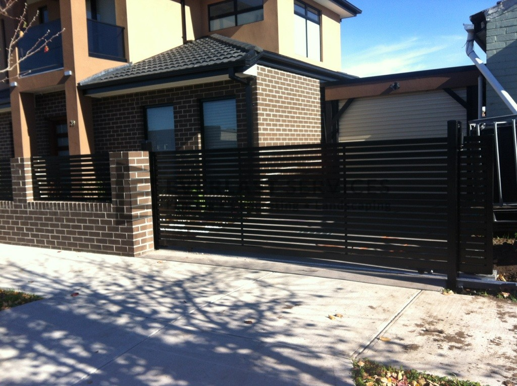 SG12 - Black Horizontal Slats Sliding Gate