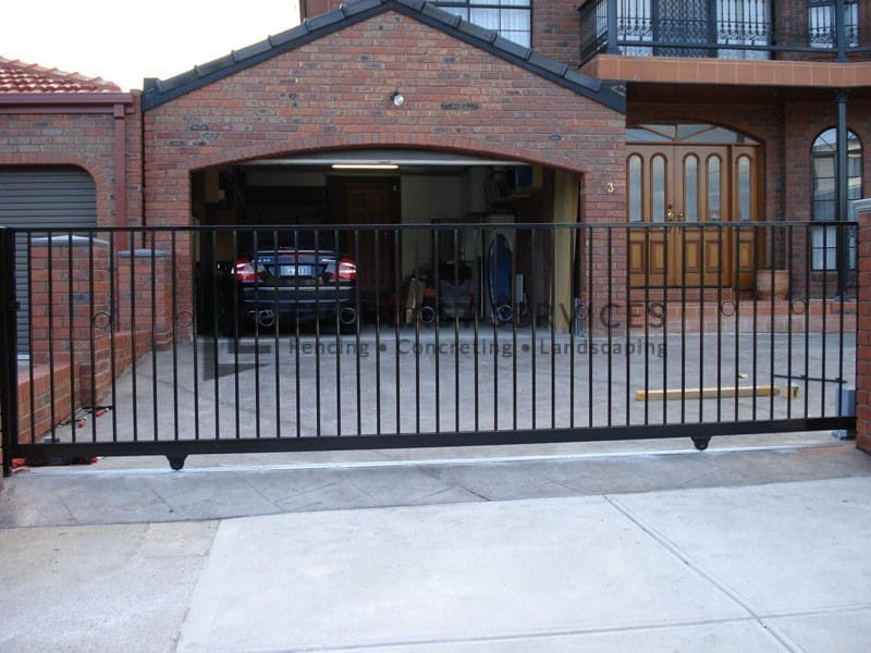 SG16 - Flat Top + Feature Ring Sliding Gate - Laverton
