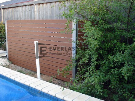 SP2 - Horizontal Slat Pool Fencing