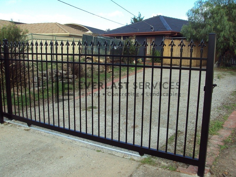 SG22 - Black Level Oxley Spear Steel Sliding Gate - Melbourne