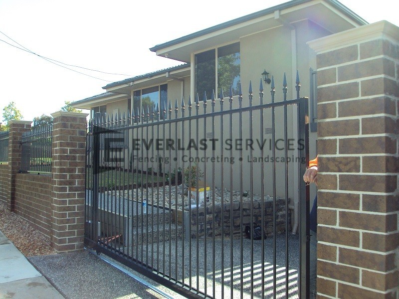 SG23 - Black Level Spear Steel Motorised Sliding Gate - Melbourne