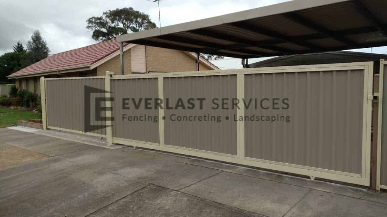 SG28 - Large Colourbond Sliding Gate