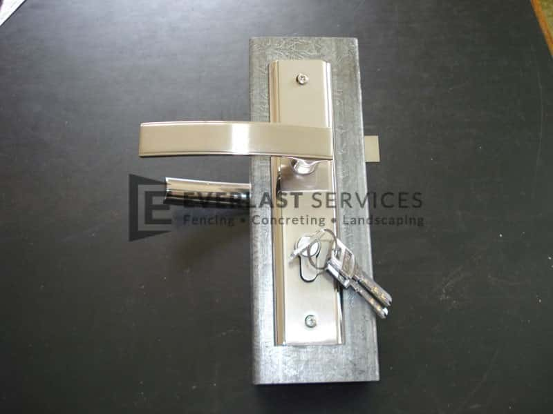 FS28 - Style 1 4040 Lock