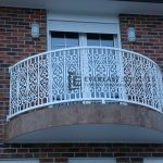SF42 - White Curved Pattern Steel Balustrade