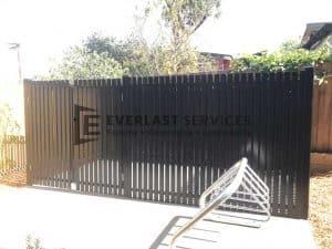A153 - 566 Moreland Road Vertical Face Welded Slats Bin Enclosure