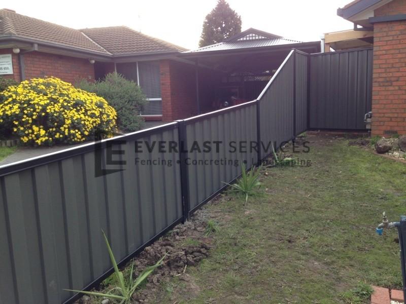 CB6 - Black Colorbond Fence
