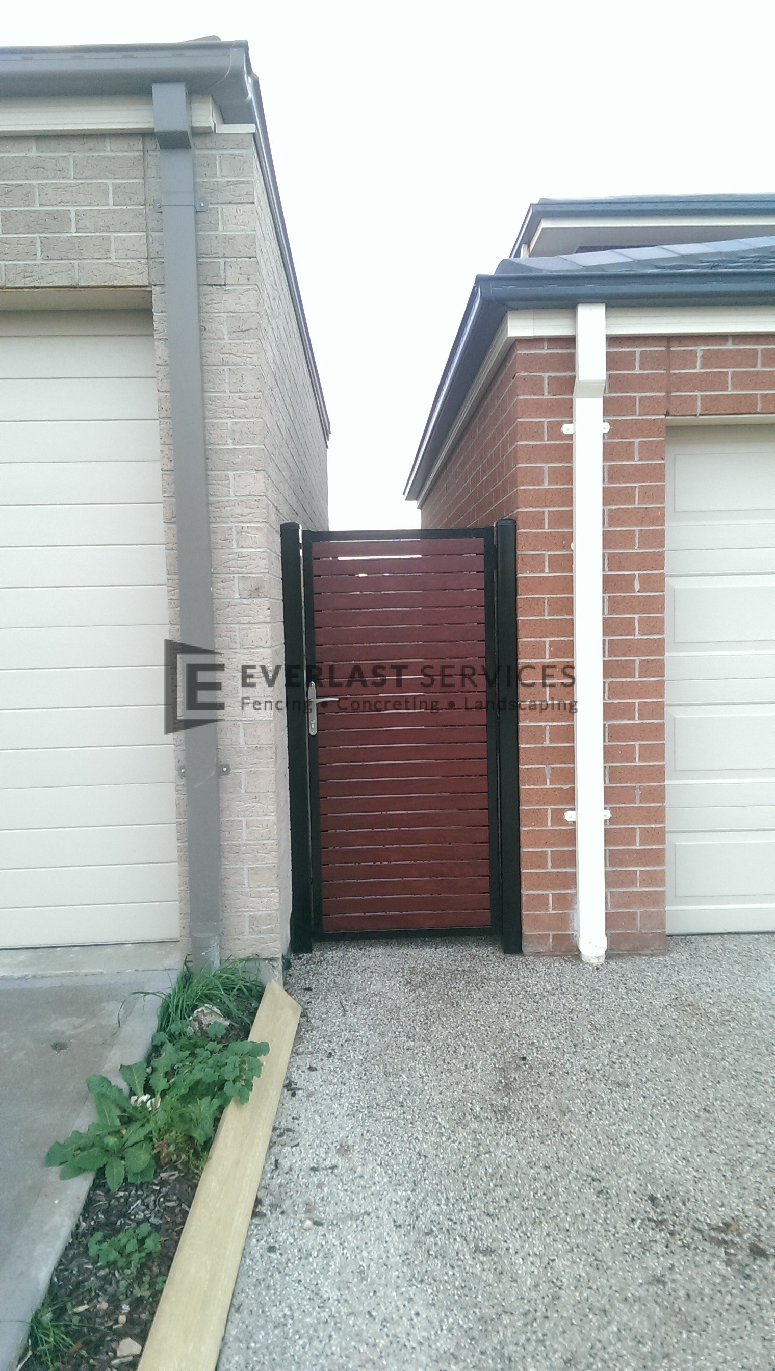 DW7 - Black Frame + Post Horizontal Jarrah Slats Single Gate - Point Cook