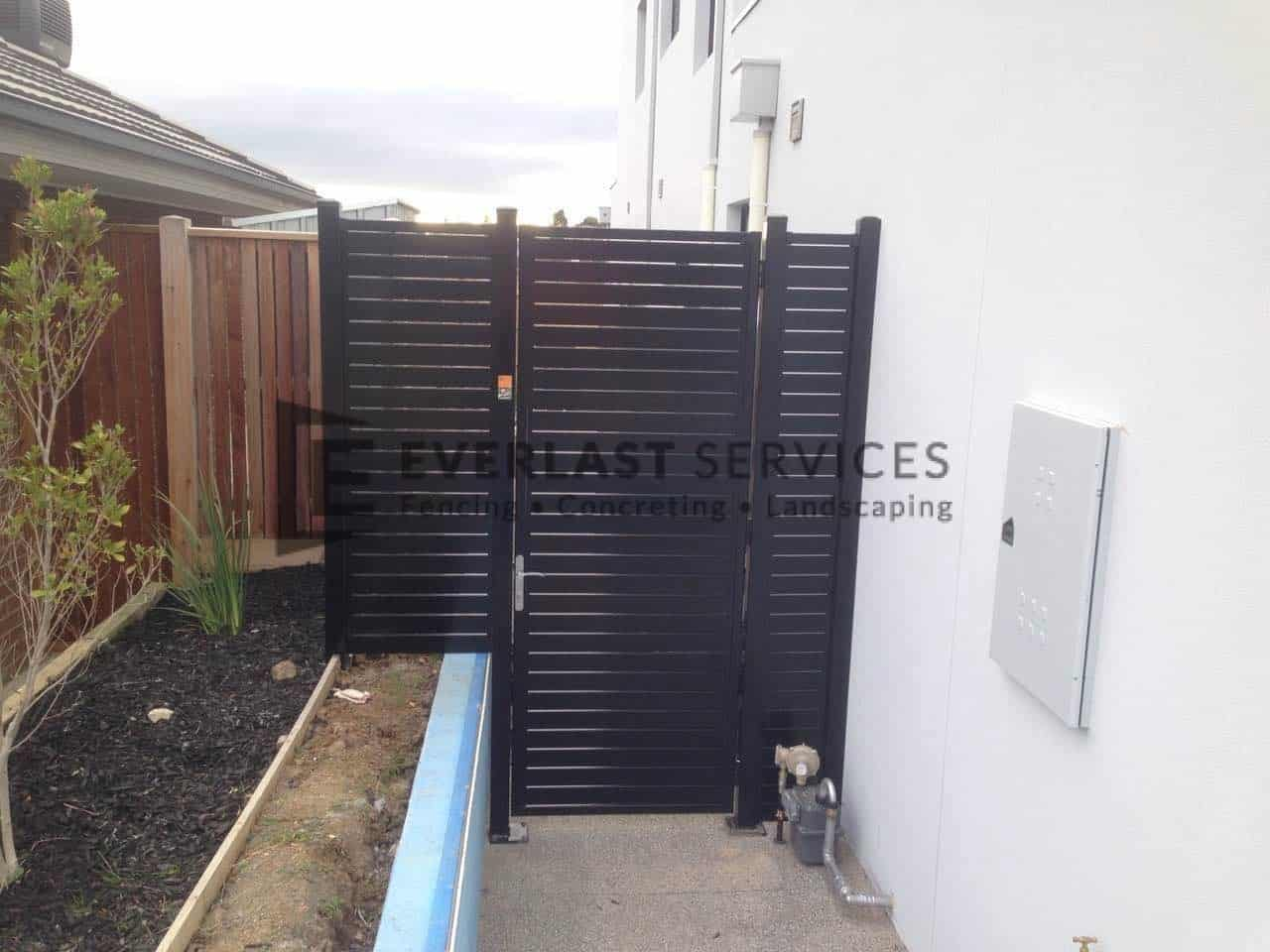 SS55 - Black Slats Single Gate with 2 Panels