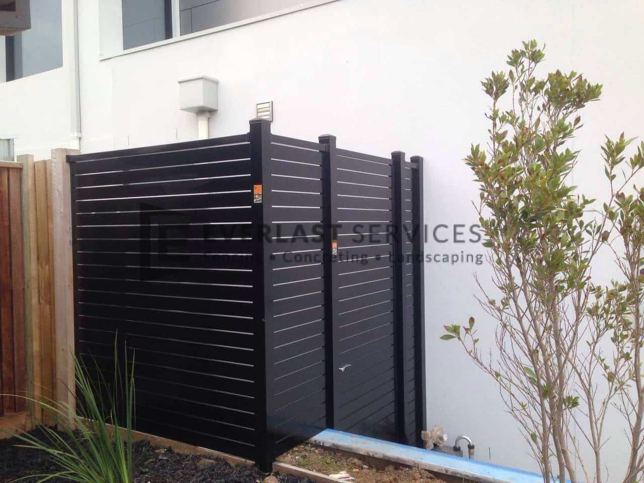 SS56 - Black Slats Single Gate with 2 Panels Side View