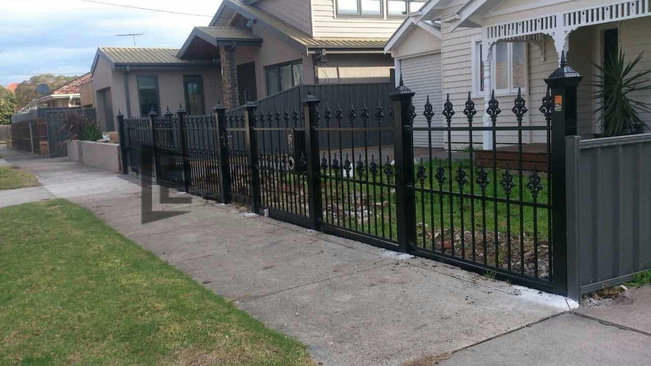 SF95 - Black Heritage Spear Steel Fencing - Strathmore View 2