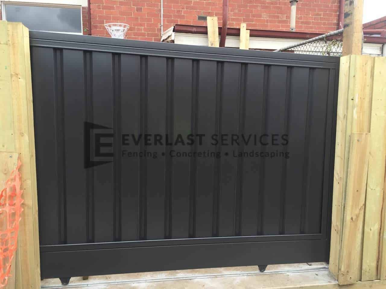 SG36 - Monument Colourbond Sliding Gate