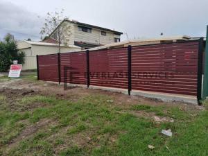 A153 - Jarrah Slats Fencing Backyard
