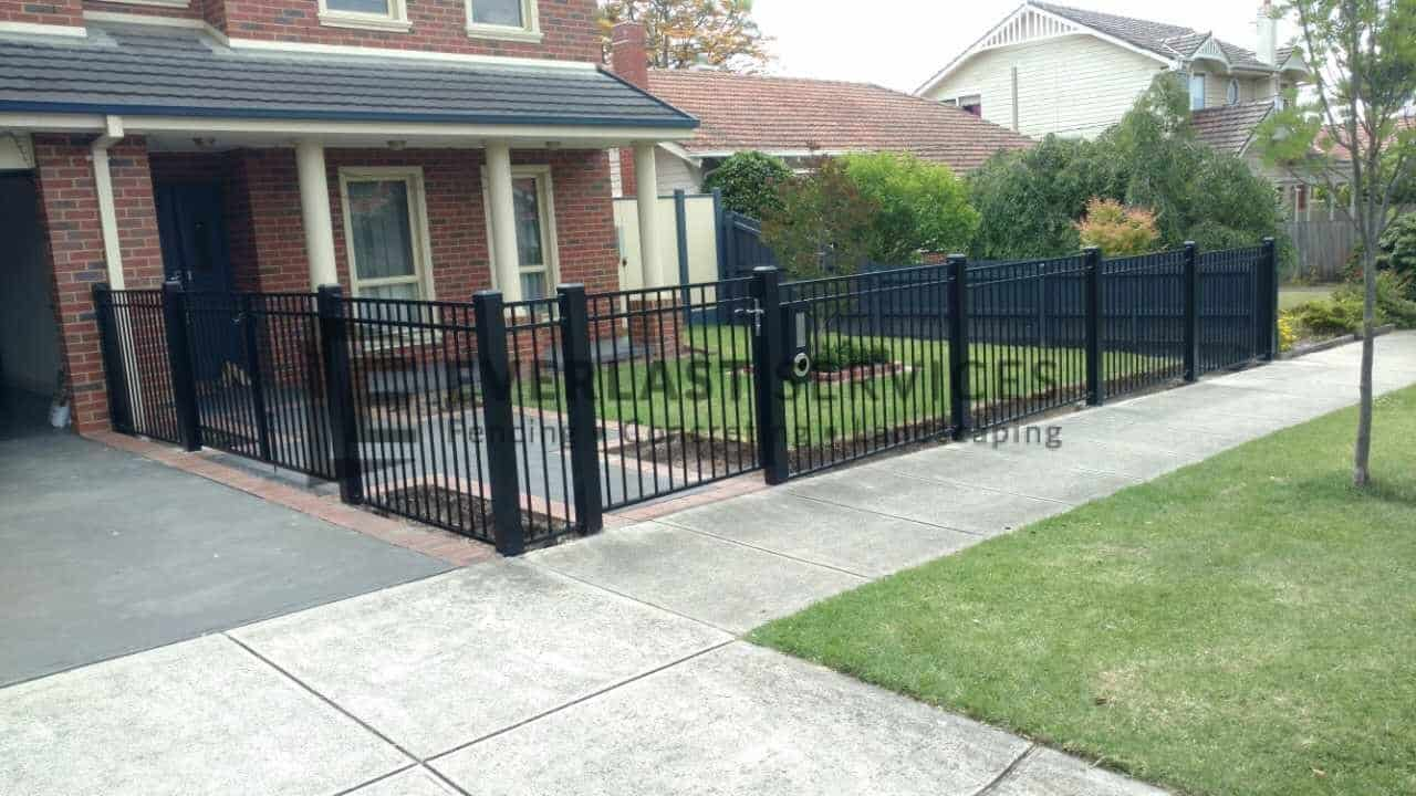 SF106 - Oxley Bar Fencing Far View 3