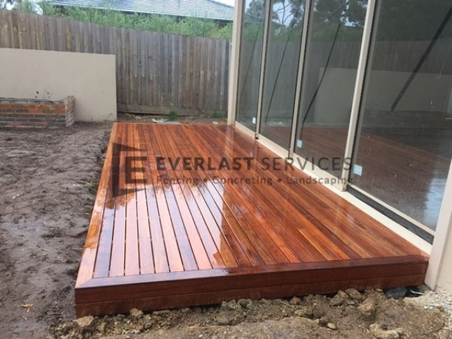 T1 - Outdoor Timber Decking
