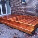 T18 - Small Outdoor Timber Decking with Step