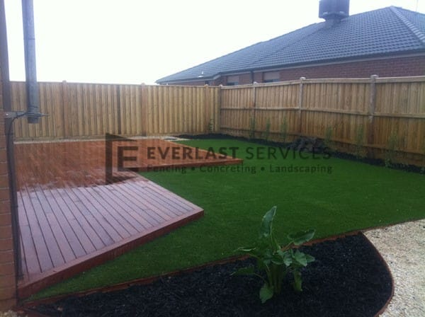 T27 - Timber Decking with Synthetic Grass