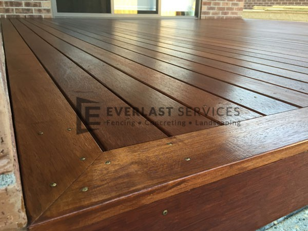 T4 - Timber Decking Corner Match