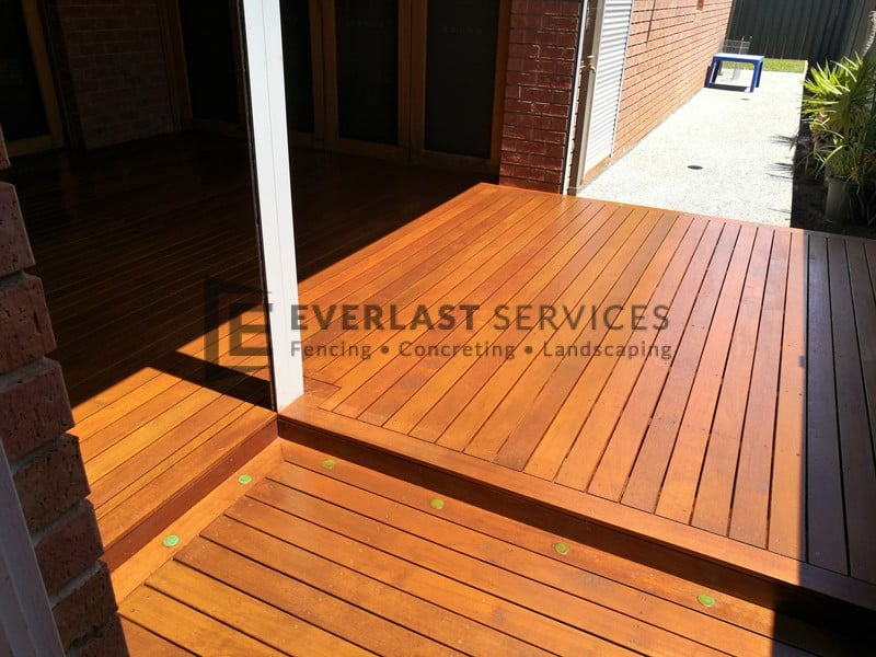 T112 - Alfresco Decking with Lights