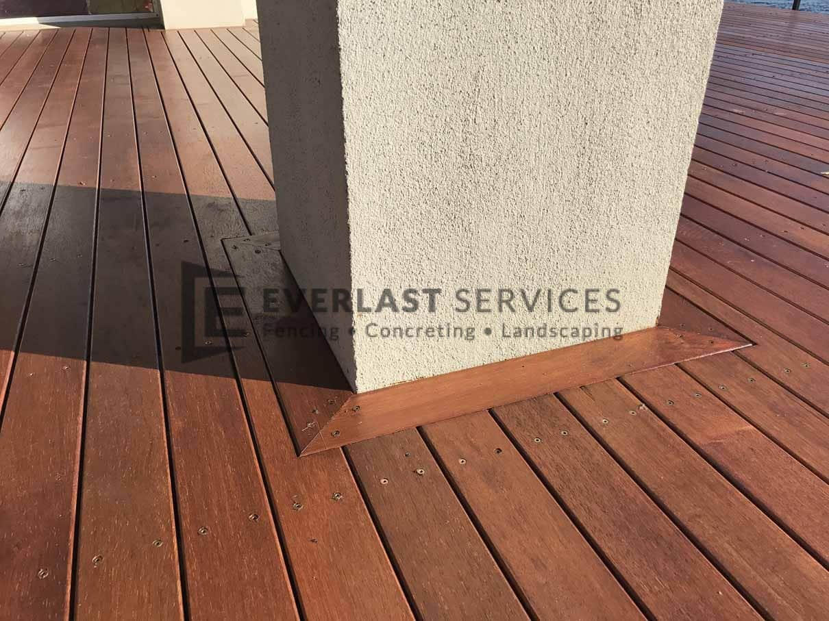 T80 - Merbau Decking Around Pillar