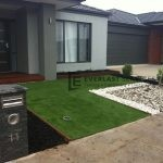L30 - Synthetic Grass with Two Types of Pebble