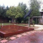 L35 - Raised Timber Decking with Pebble Landscaping