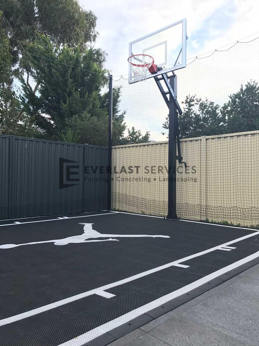 L83 - Basketball Court