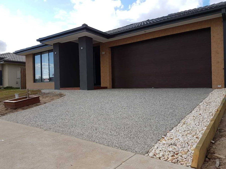 EA54 - Exposed Aggregate Driveway