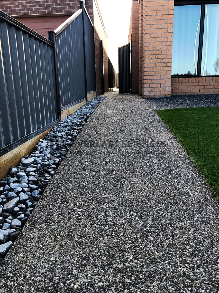 EA39 - Footpath Exposed Aggregate