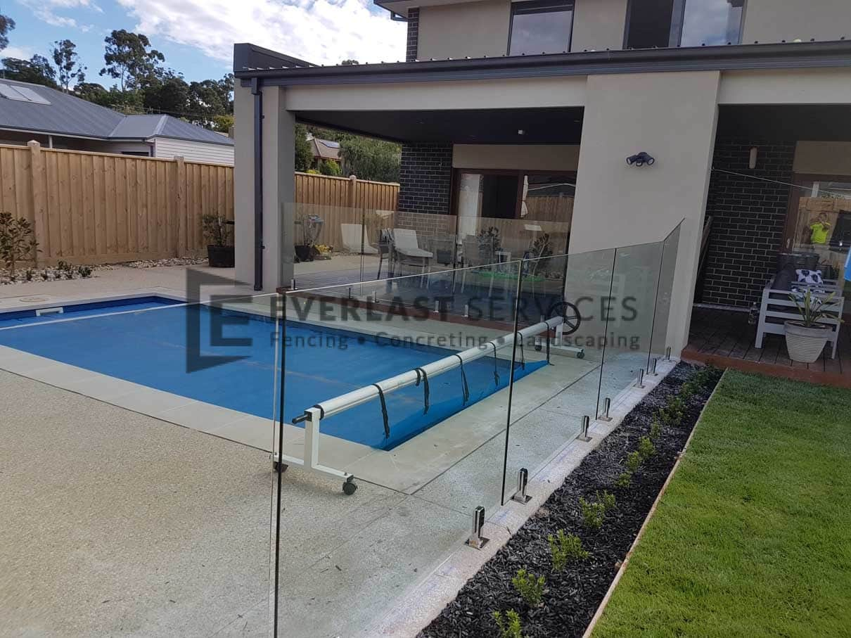 GF8 - Glass Pool Fencing + 1 x Custom Panel
