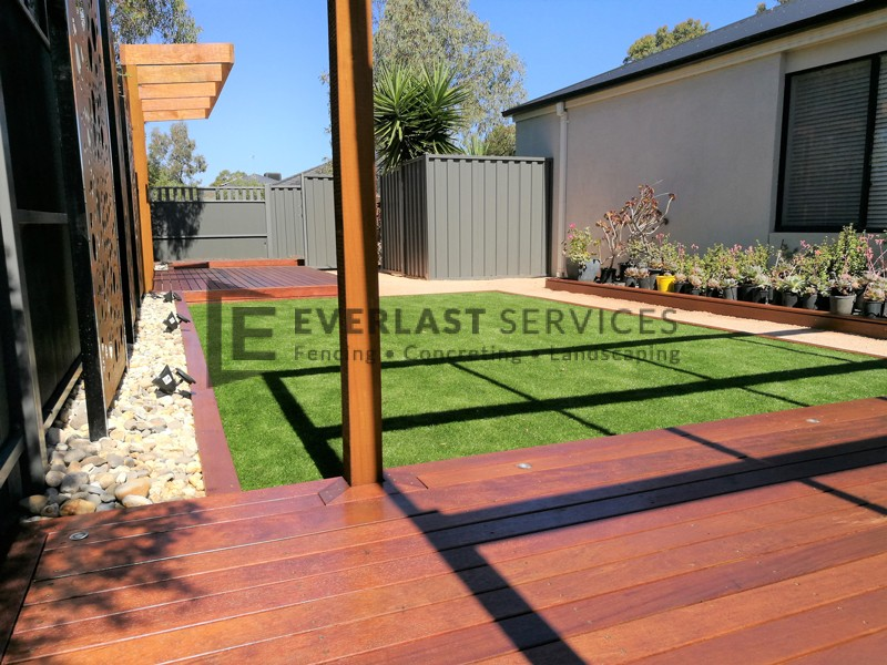 L145 - View One Decking + Pergola + Synthetic Grass