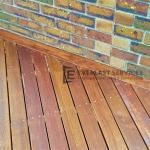 T125 - Out Door Decking