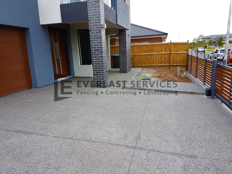 EA64 - Exposed Aggregate Front Driveway and Path