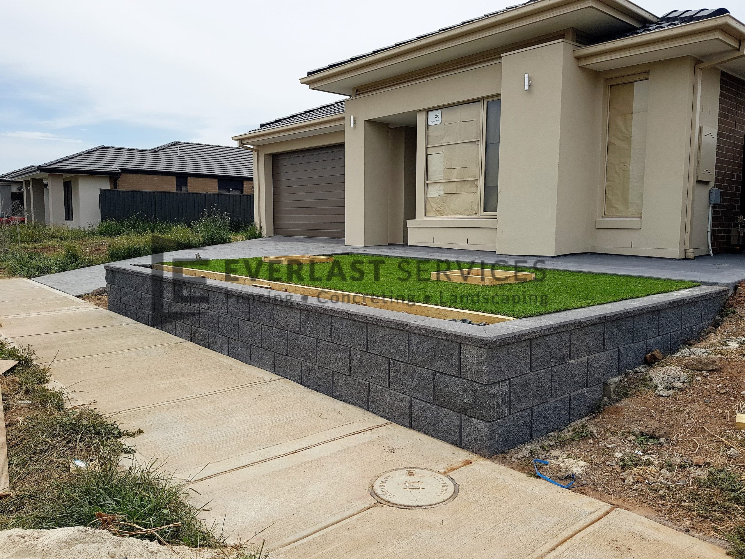 RW3 - Versablock Retaining Wall with Synthetic Grass