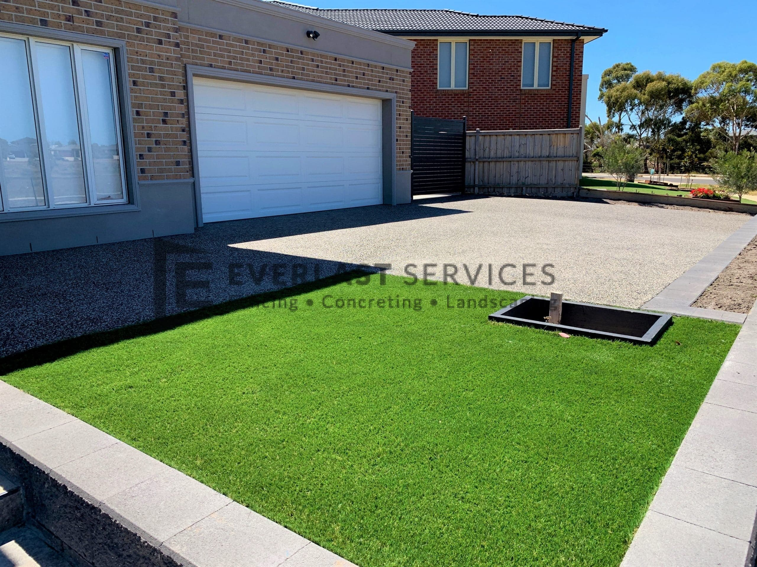 L225 - Synthetic Grass