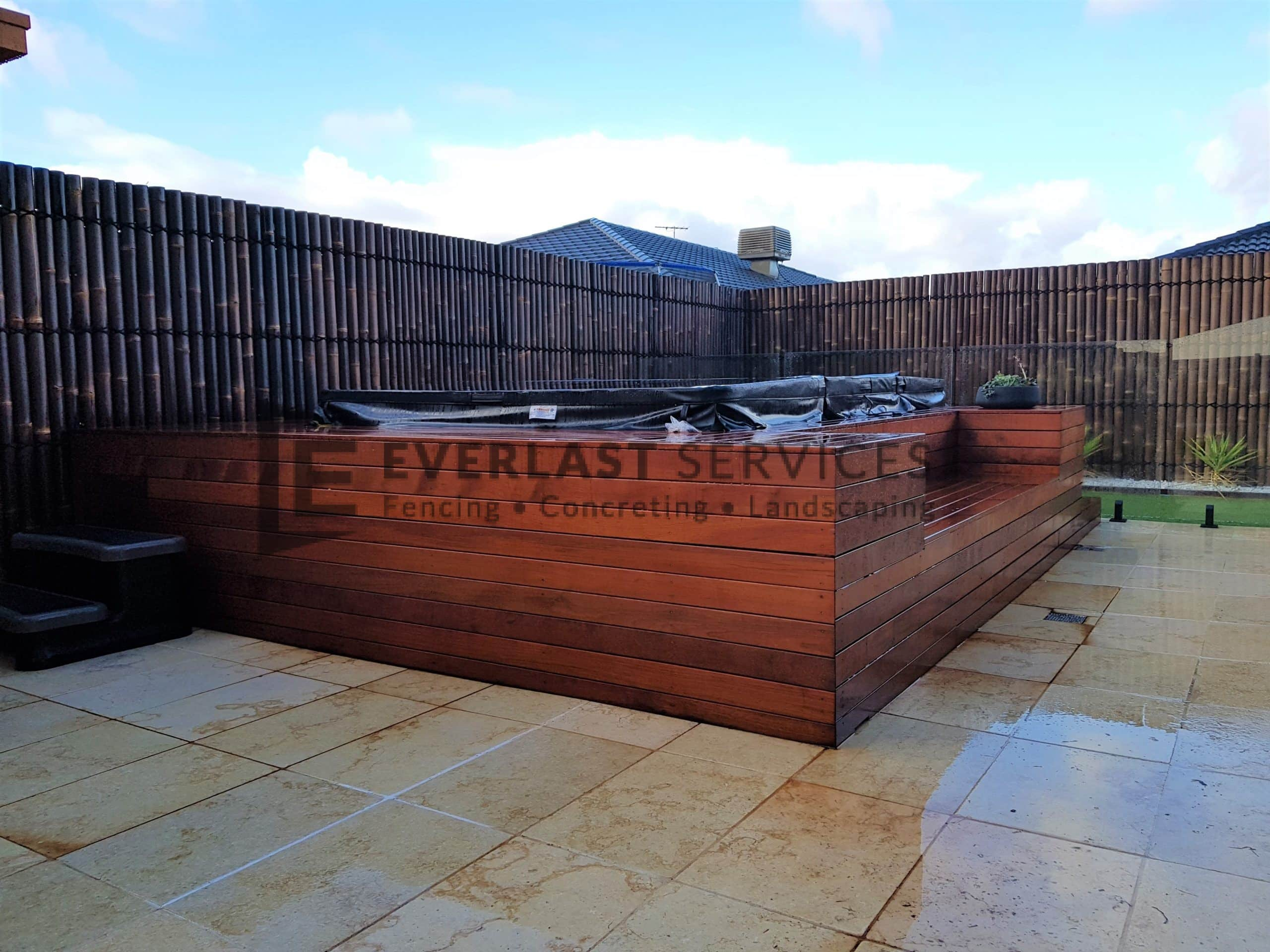 T189 – Decking Enclosure for Spa
