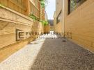 EA97 – Doncaster East – Side walkway