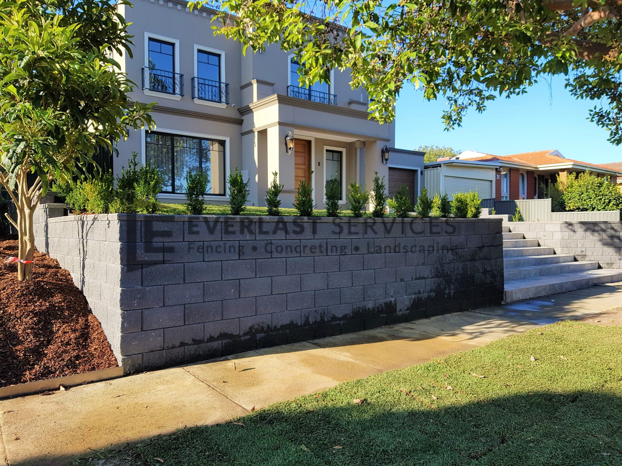 L281 - Landscaping front of house