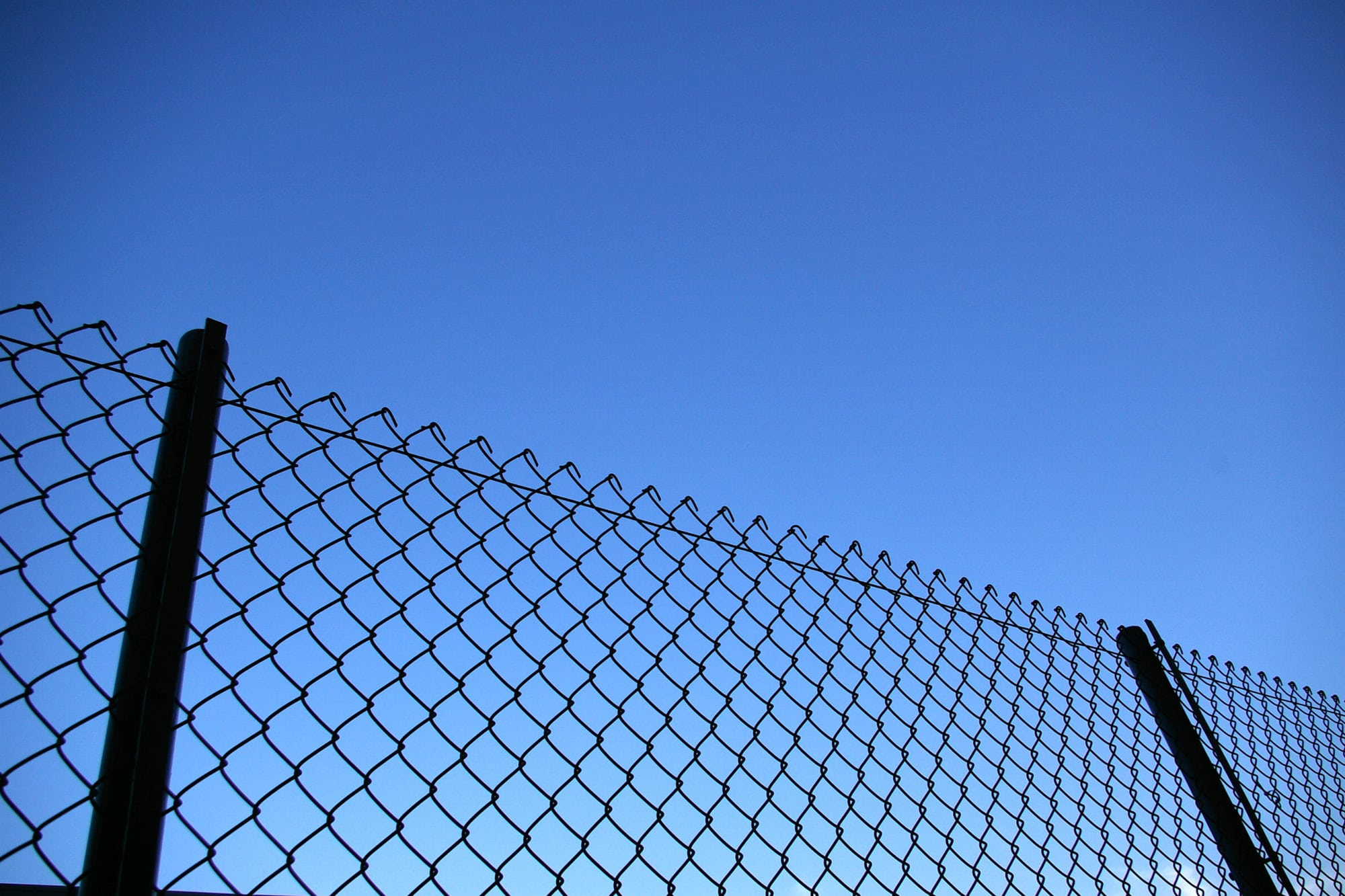 ultimate guide security fencing