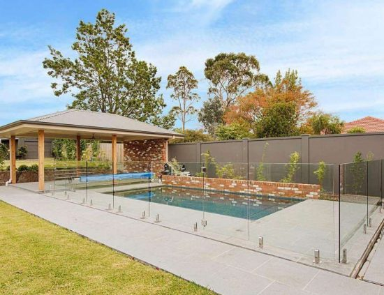 Glass-Pool-Fencing-And-Modular-Fencing