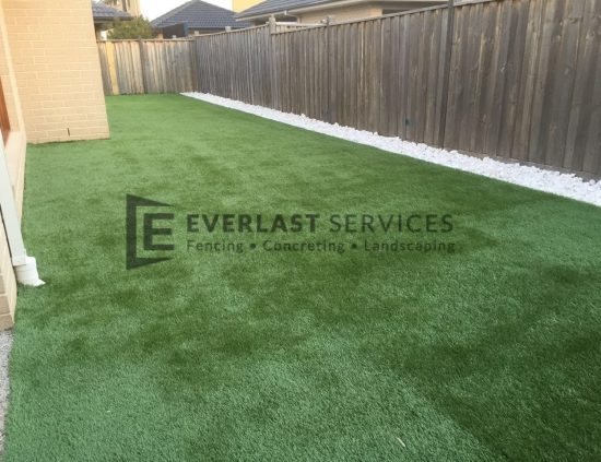 L48 - Backyard Basic Synthetic Grass
